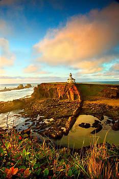 Cape Arrago lighthouse1 by Joe Klune