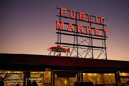 Pike Place Market by Paul Bartoszek