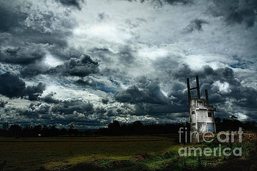 Sky  by Thammasak Kanjananul