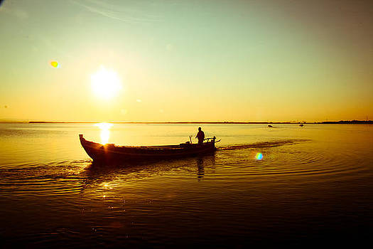 Sunset - boat by Amador Esquiu Marques