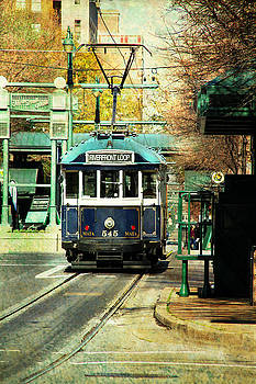 Trolley Stop Memphis by Suzanne Barber