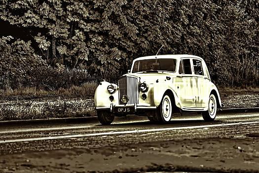 An old car by Frank Jackson