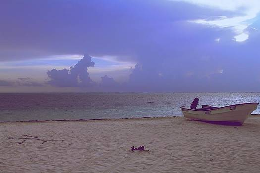 Beach time by Robert Gmelin