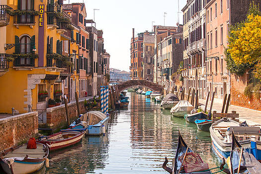 Patricia Hofmeester - Beautiful canal in Venice