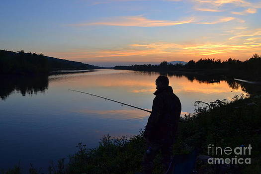 Joe Cashin - Fishing into the sunset
