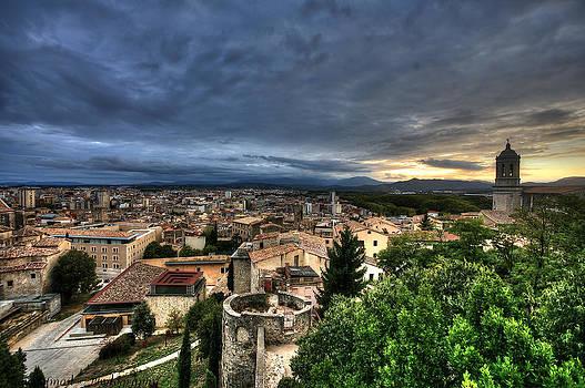 Isaac Silman - Girona Cityscape