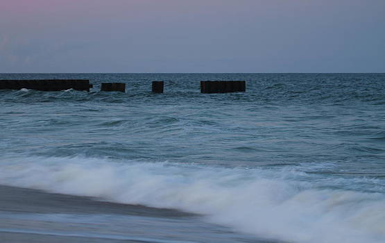 Hatteras Groin 2 by Cathy Lindsey