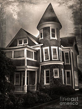 Gregory Dyer - Haunted House