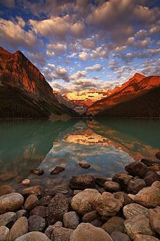 Lake Louise Sunrise by Ross Murphy