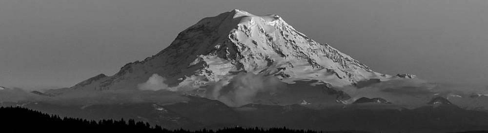 Mount Rainier by Bob Noble