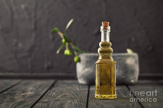 Mythja  Photography - Olive oil