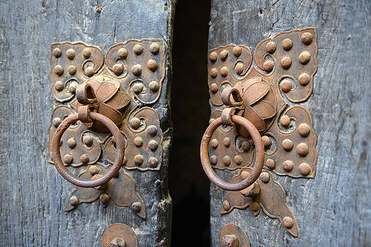 Qing Dynasty House Door Bolt by Yue Wang
