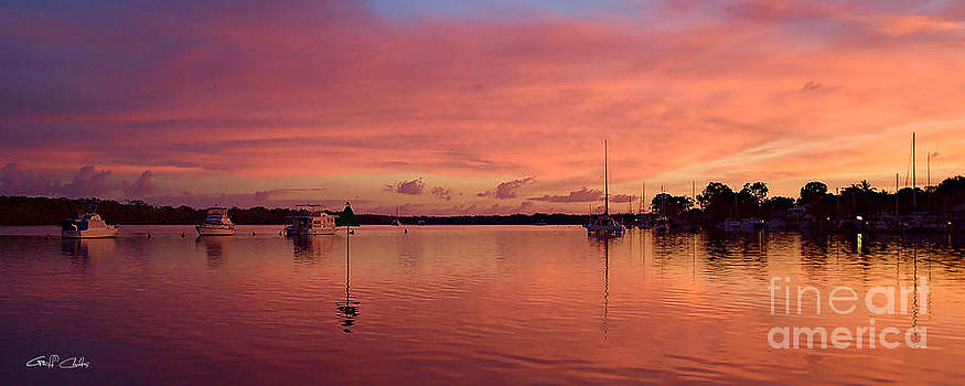Sunrise Seascape. Art photo digital download and wallpaper screensaver. by Geoff Childs