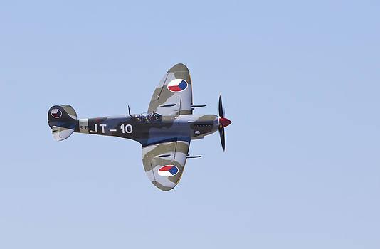 Super Marine Spitfire Mk Ix by Ross Murphy
