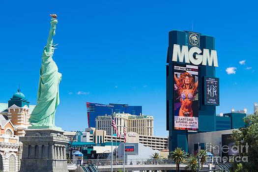 Viva Las Vegas by Juergen Klust
