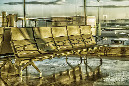 Patricia Hofmeester - Waiting for a flight