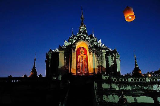Wat Phra Sing  Chiang Mai Thailand by Keerati Preechanugoon