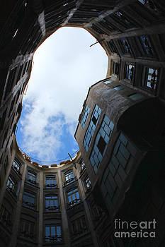 Gregory Dyer - Barcelona Spain La Pedrera