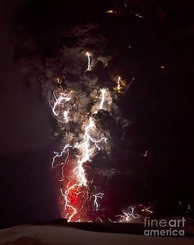 Olivier Vandeginste - Volcanic Lightning, Iceland, April 2010