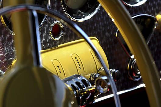 Jill Reger - 1937 Cord 812 Phaeton Controls