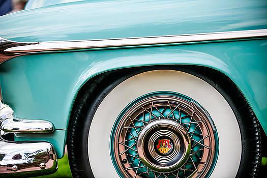Jill Reger - 1952 Oldsmobile 98 Holiday Hardtop Wheel Emblem -1482c