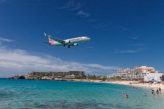 American Airlines at St Maarten by David Gleeson