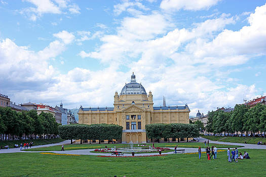 Art pavilion by Borislav Marinic