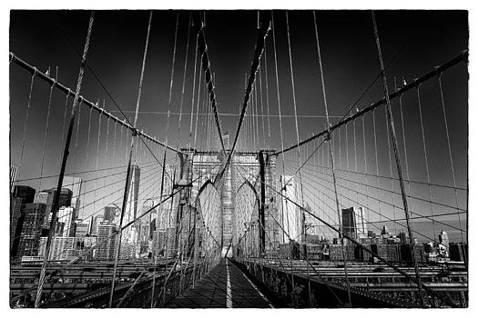 Brooklyn Bridge by Peter Aitchison