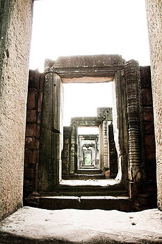 Castle by Thammasak Kanjananul