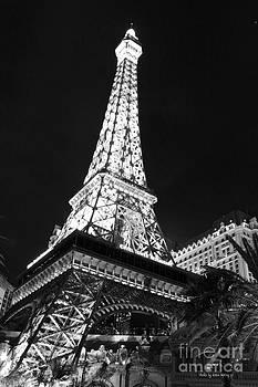 Eiffel Tower by Kevin Ashley
