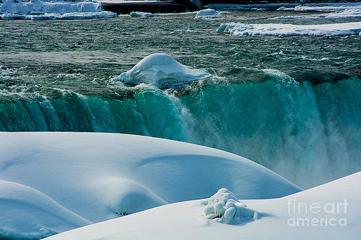 Frozen Niagara Falls by John Baumgartner