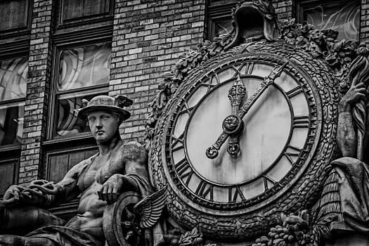 Helmsley Building Clock by James Howe