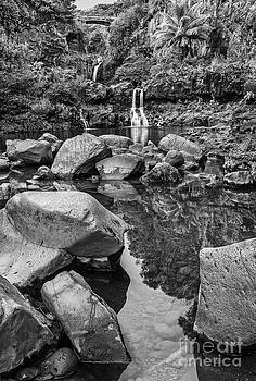Jamie Pham - The beautiful scene of the Seven Sacred Pools of Maui.