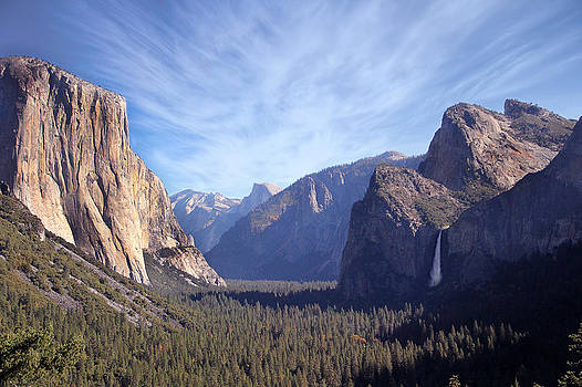 Yosemite National Park by Yosi Cupano