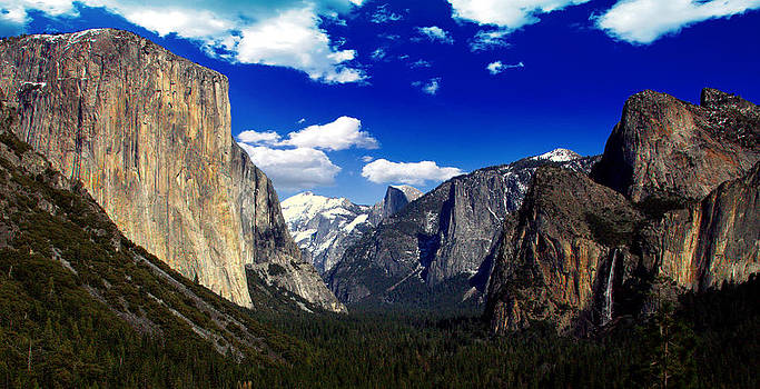 Yosemite Tunnel View by Rick Mutaw