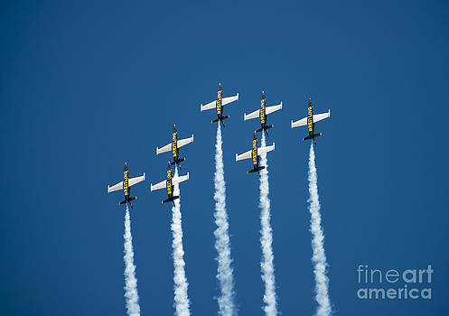 Breitling jet team by Mats Silvan