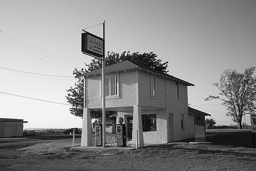 Frank Romeo - Dusk on Route 66