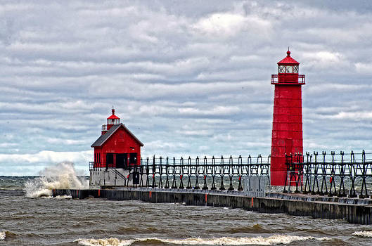 Grand Haven Lighthouse by Cheryl Cencich