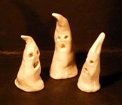 3 little Ghosts  by Debbie Limoli