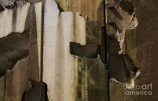 Sherry Davis - 3 Pegs Abstract III