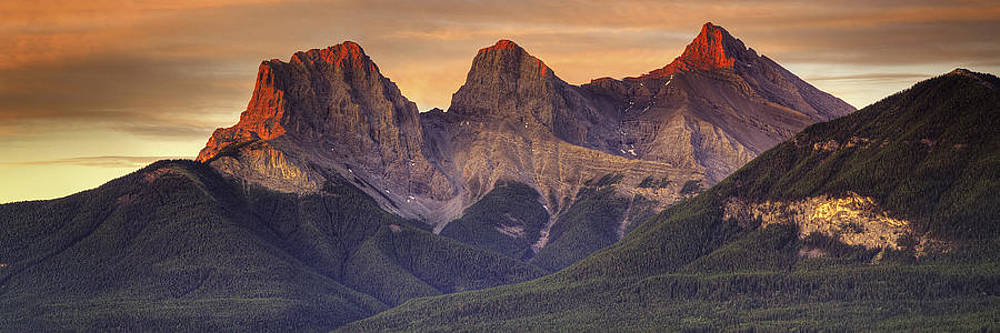 3 Sisters Canmore Alberta by Diane Dugas