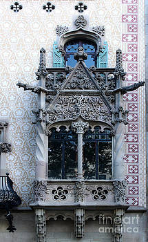 Gregory Dyer - Barcelona Spain - Houses of Discord