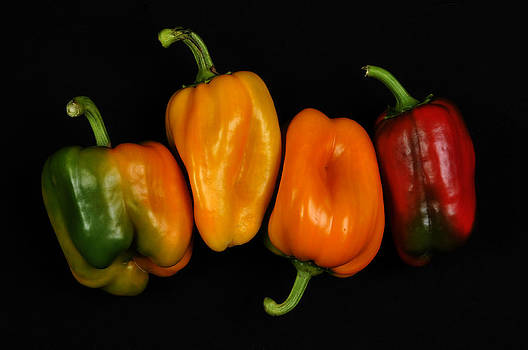 4 Peppers by Henrique Souto
