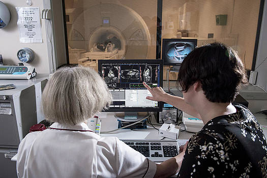 Cardiac Mri by John Cairns Photography/oxford University Images