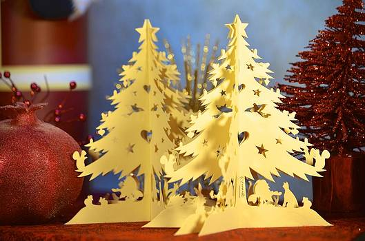 A paper Christmas tree by Alex King