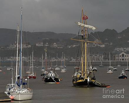 Conwy Harbour. by Adrian Hillyard