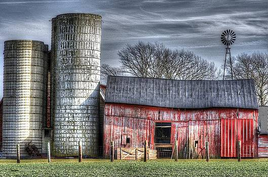Abandoned Farm New Jersey by Lucia Vicari