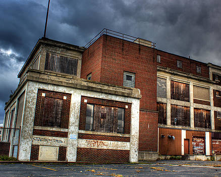 Abandoned in HDR by Tim Buisman