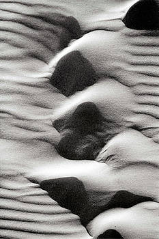 Abstract Sand 6 by Arie Arik Chen