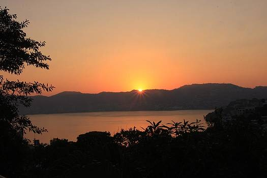 Acapulco Sunrise by Linda Russell